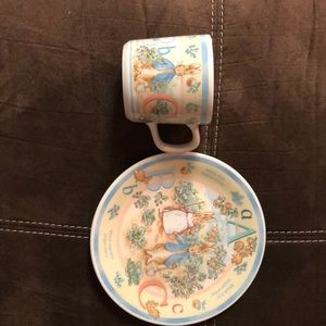 WEDGWOOD Peter Rabbit ABC Plate & Cup Set